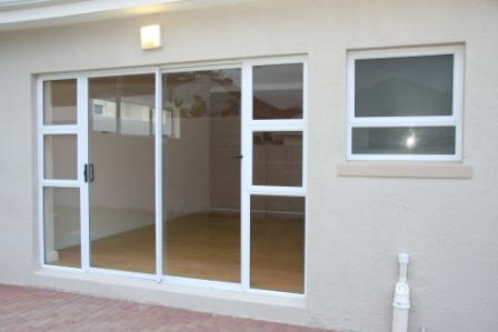 Patio doors alu metrix for Patio doors with side windows